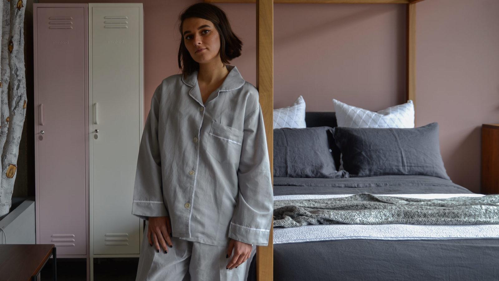 linen blend pyjamas in light grey