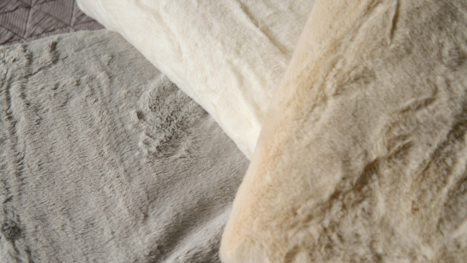 Faux fur bedspreads in a choice of 3 colours