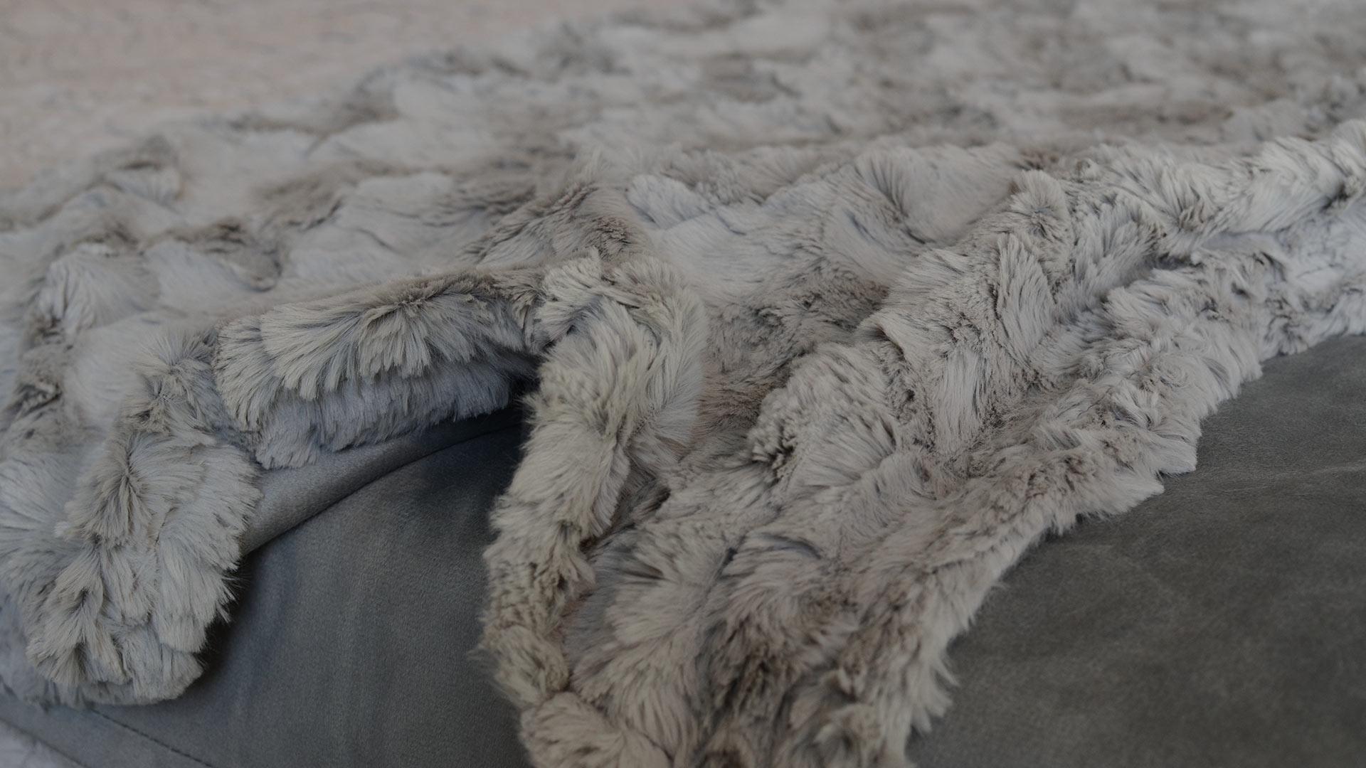 faux-fur-throw-dove-grey