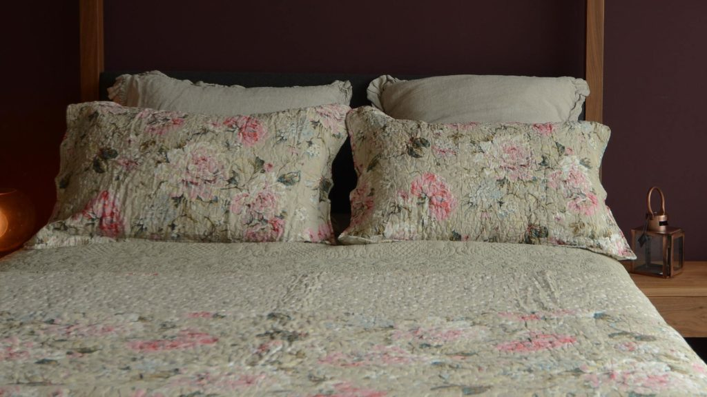 french-rose-bedspread-and-pillowcases