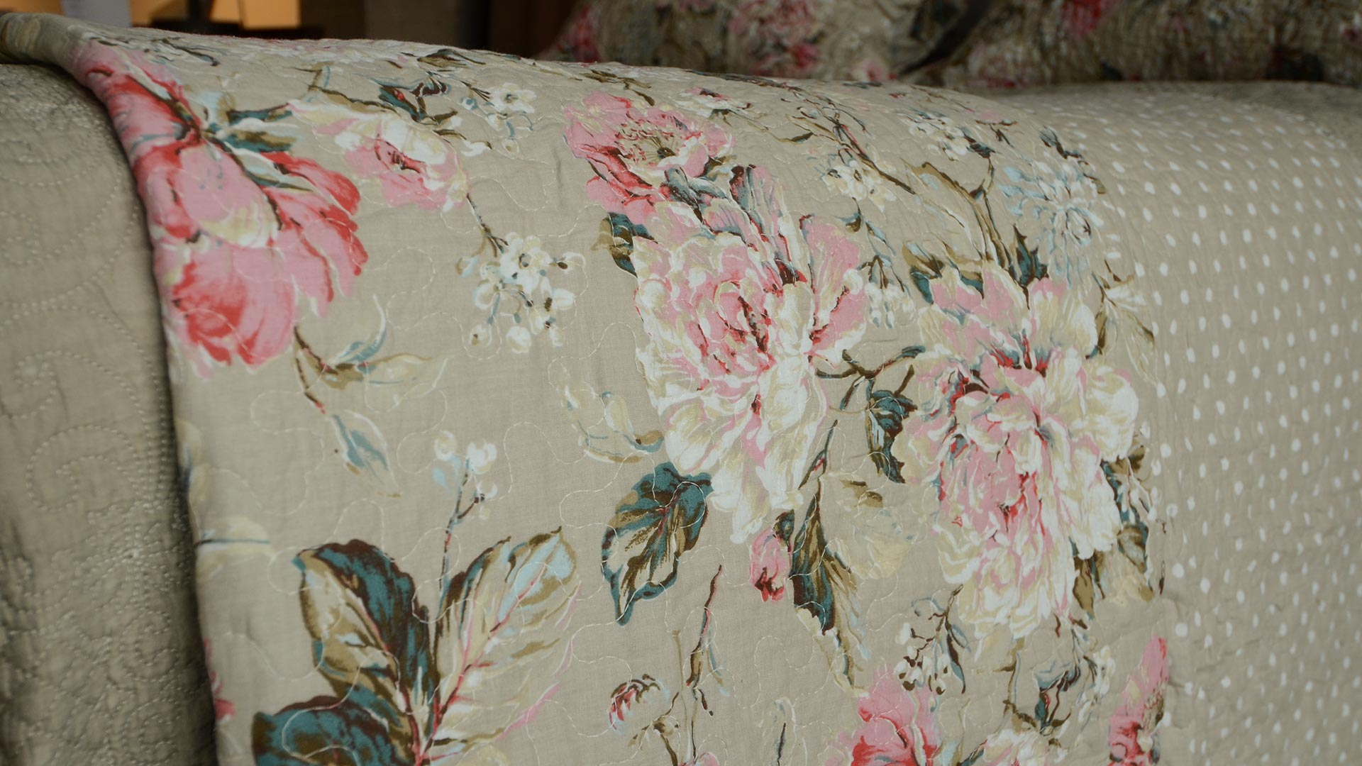 french-rose-printed-bedspread