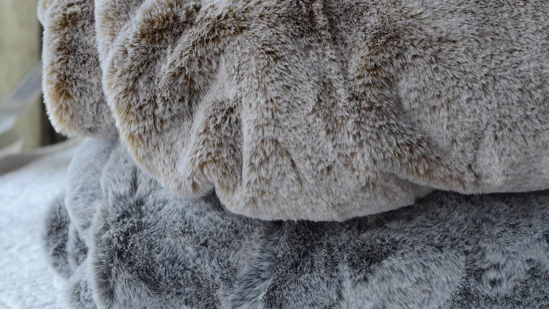 Luxury Frosted Faux Fur Throws Blankets Natural Bed