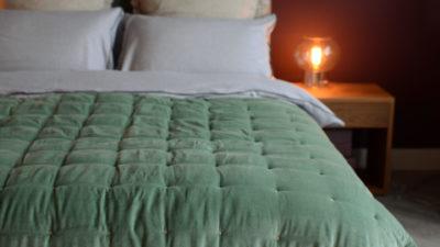 green-velvet-quilt