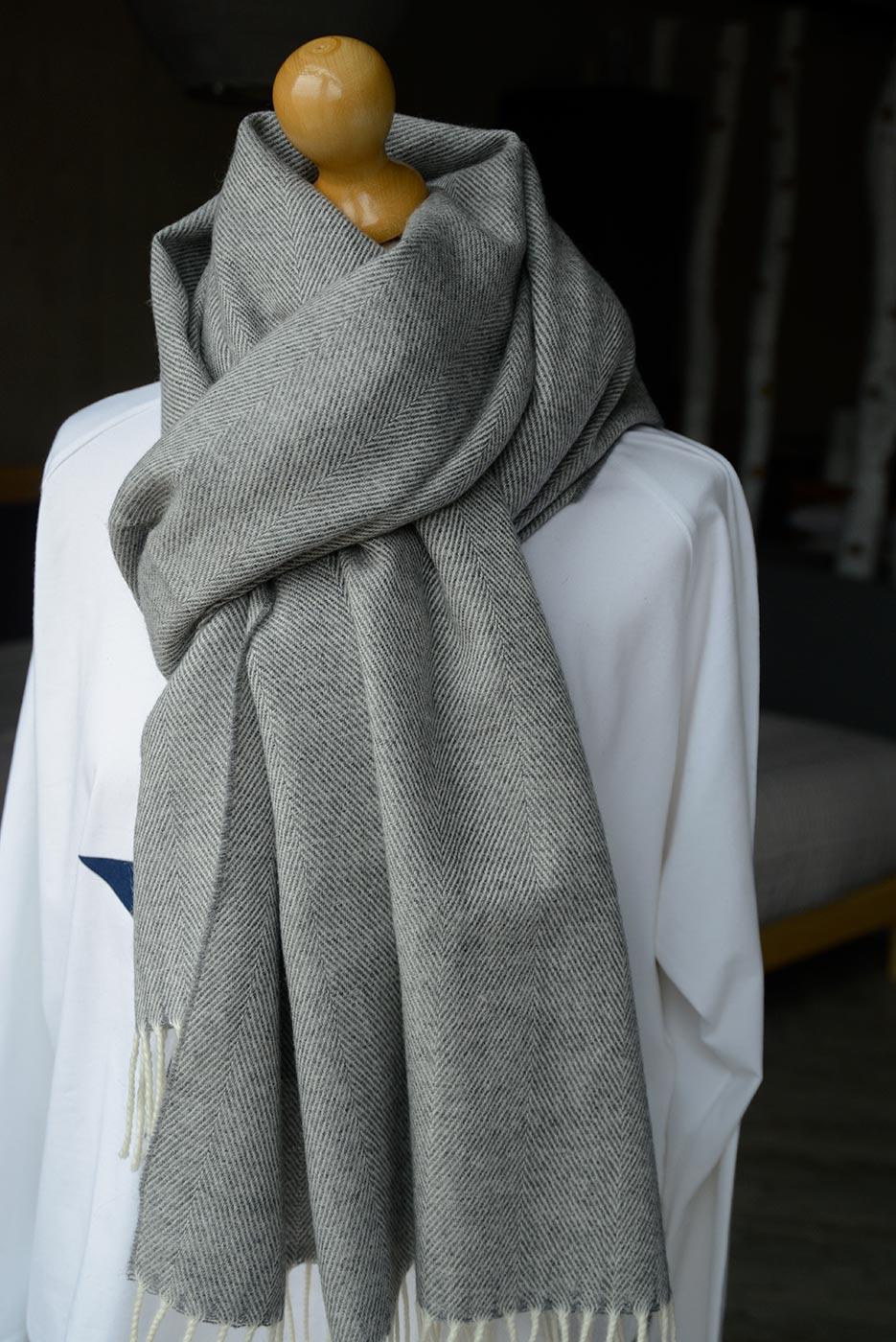 pashmina in grey