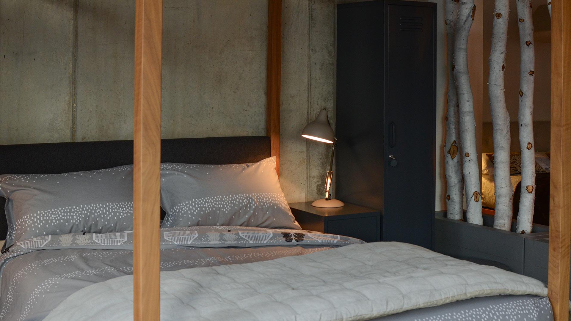 Donna Wilson Grey Duvet Set on the walnut Highland 4 poster wooden bed