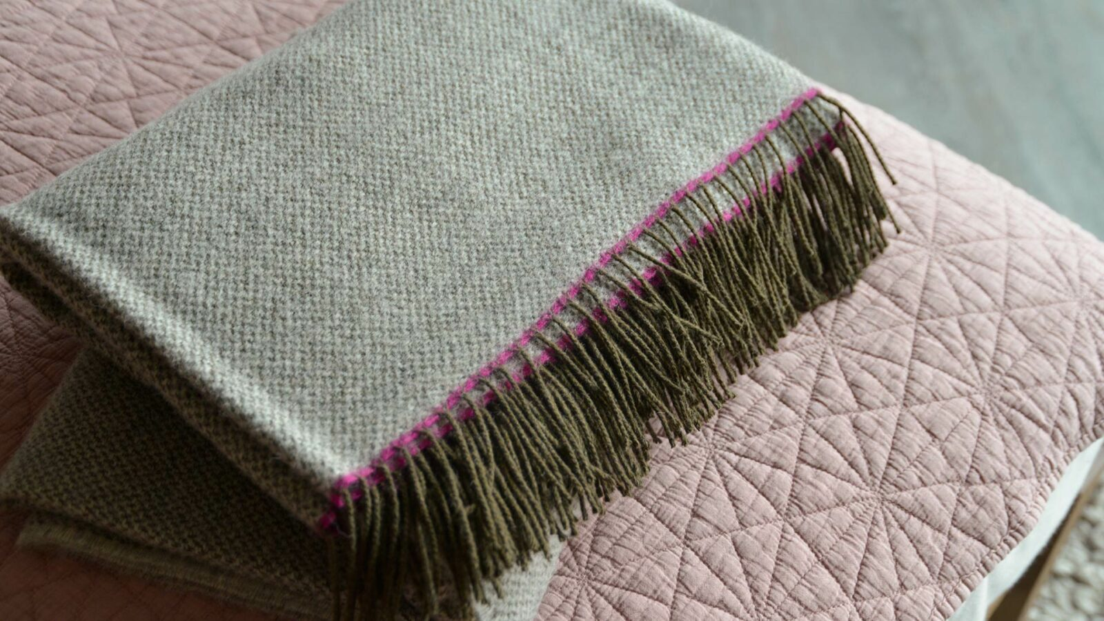 grey woven pure wool scarf with pink edge