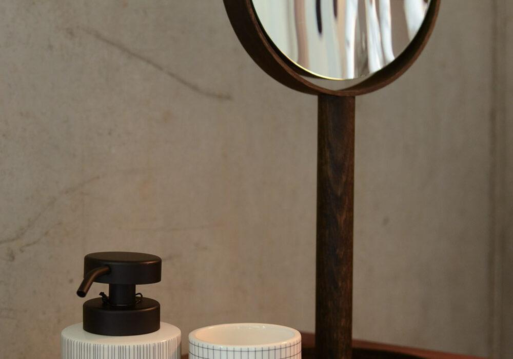 grid-soap-dispenser-and-pot