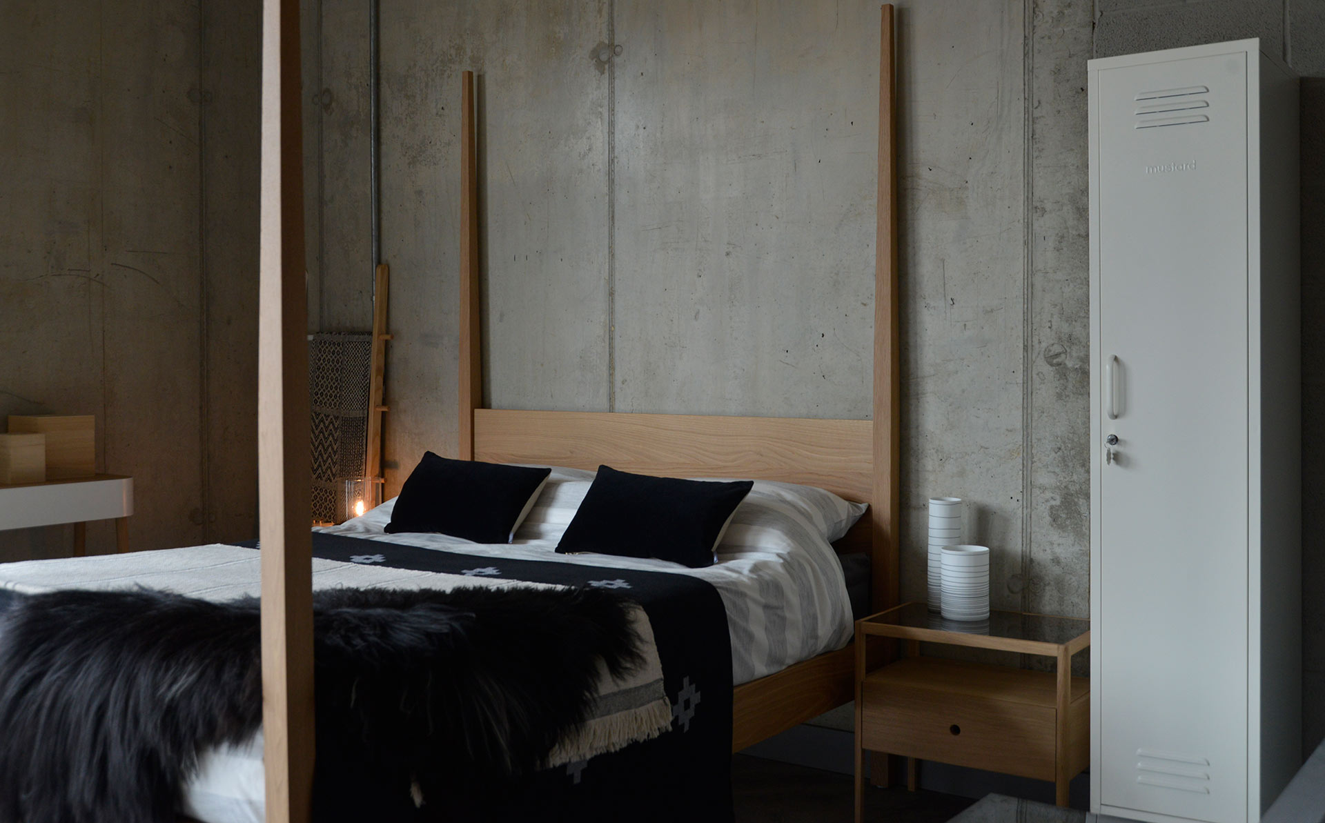 Hatfield contemporary tall post wooden bed in solid oak