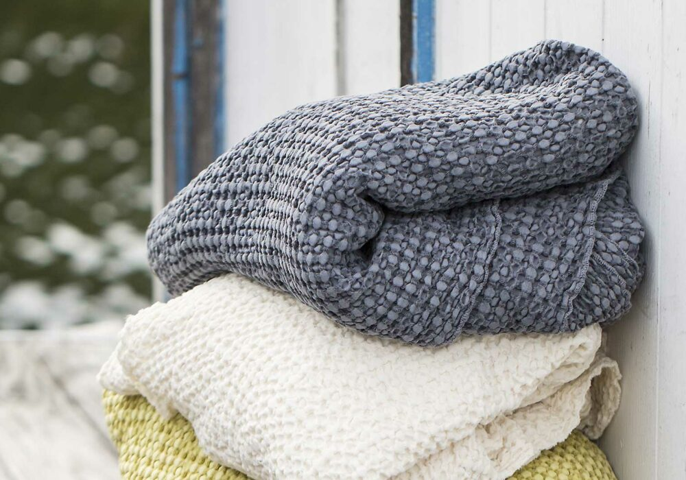 honeycomb-throws-grey-and-cream