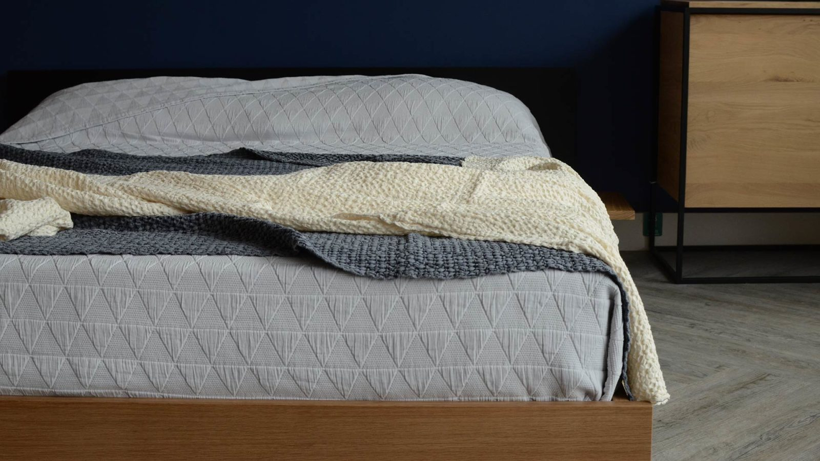 honeycomb-throws-on-kulu-grey-and-cream
