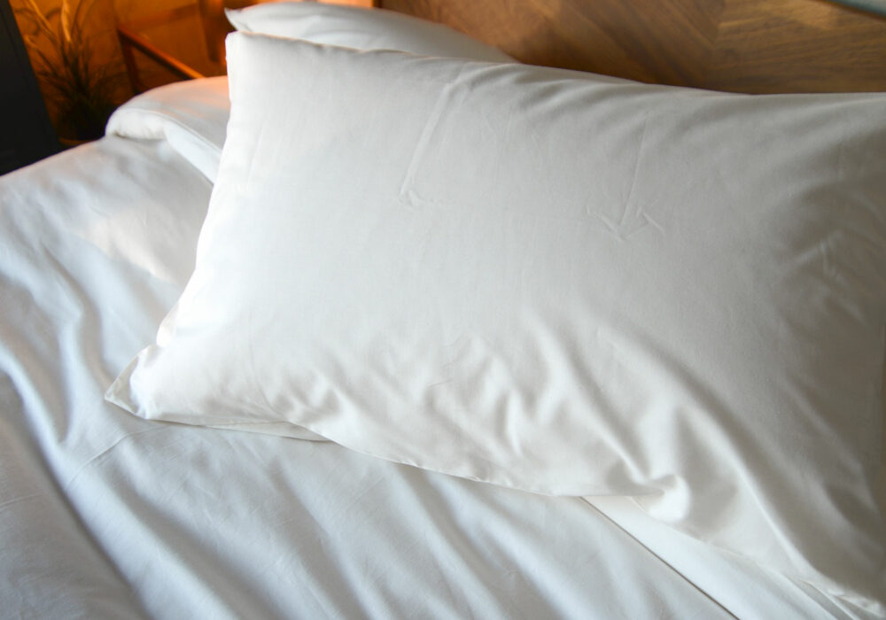 organic cotton duvet covers and pillowcases in ivory white