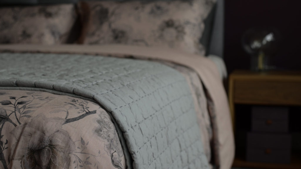 kantha-quilt-on-regency-bedding