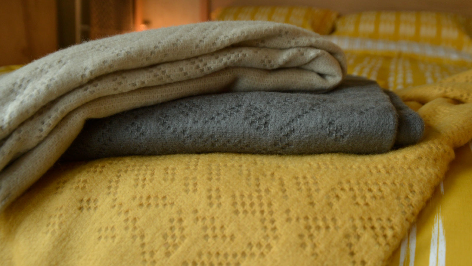 lace-pattern-throws