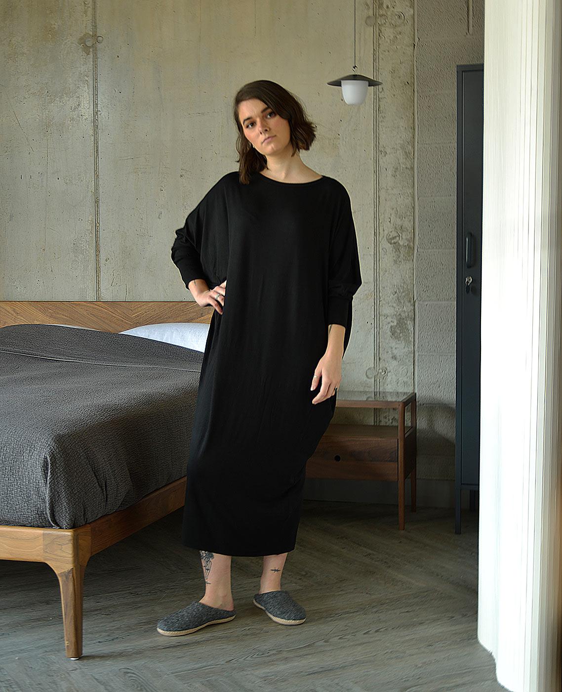 relaxed-long-sleeve-maxi-dress