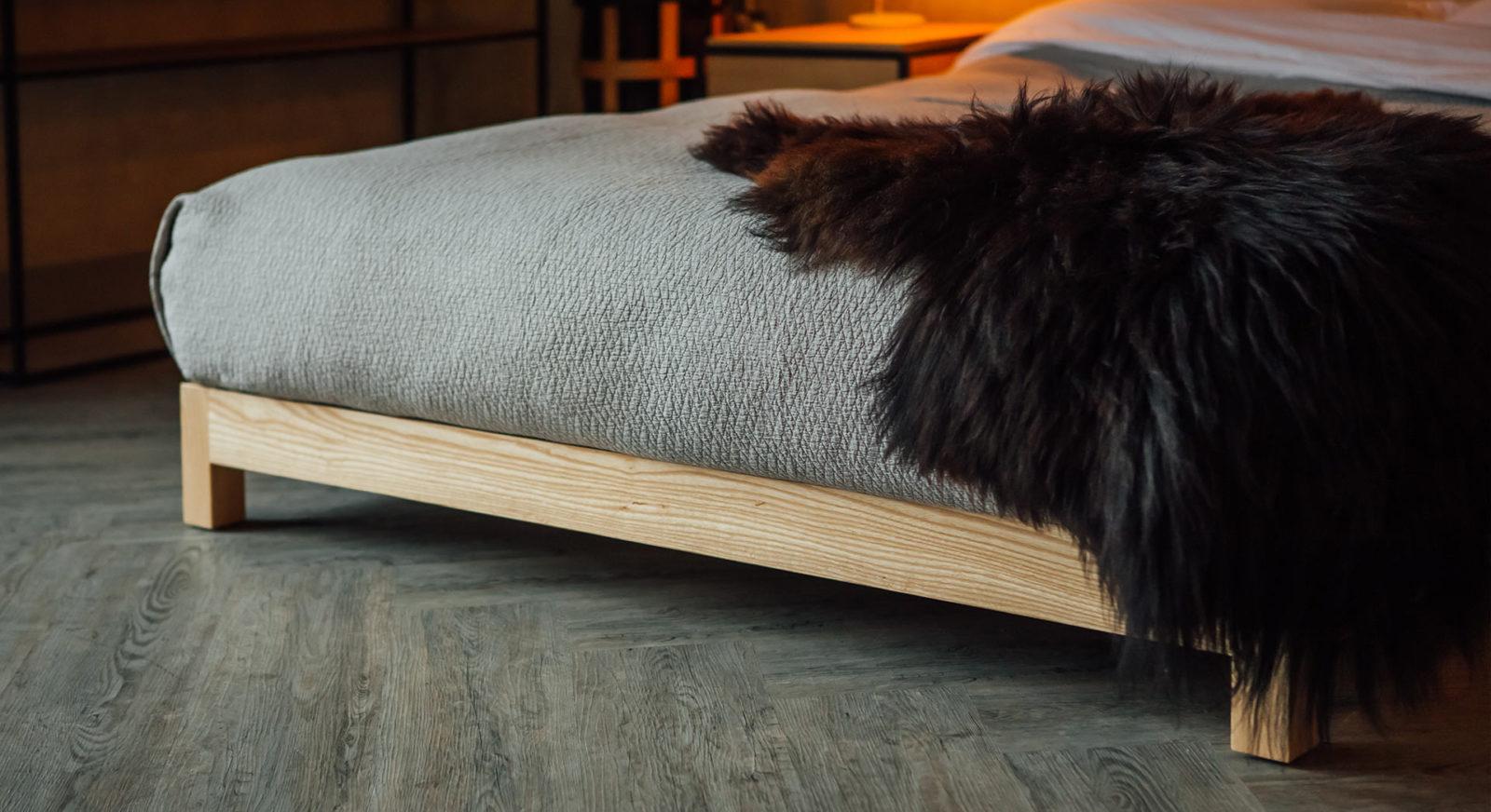 diamond-texture-bedspread - pale grey bedspread