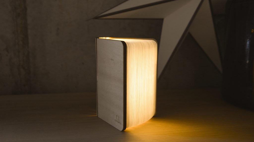 maple-book-light-part-open