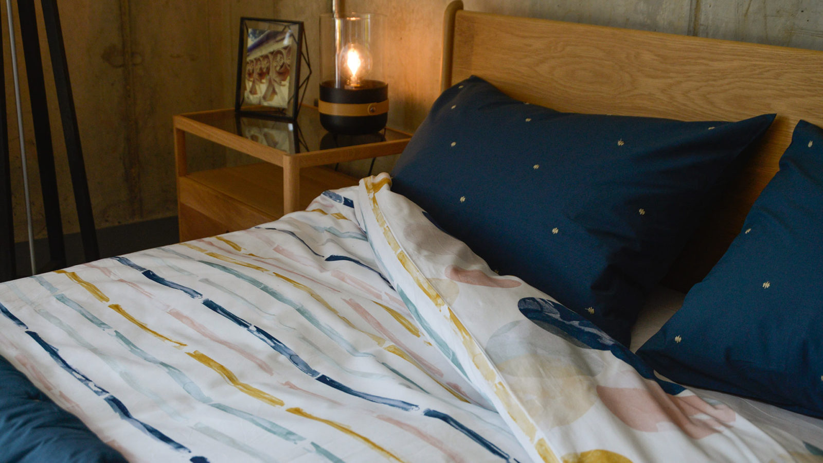 marine-blue-embroidered-pillowcase-and-quilt