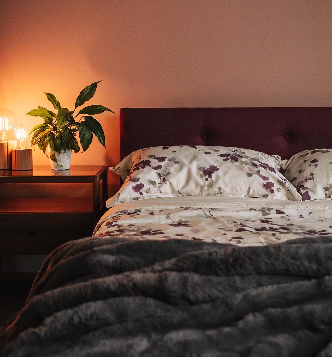 mauve-floral-print-bedding