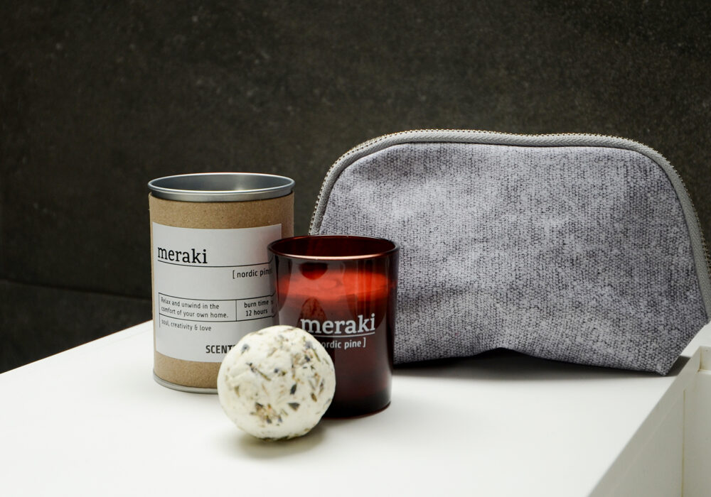 meraki small scented candle, washbag and bath-melt