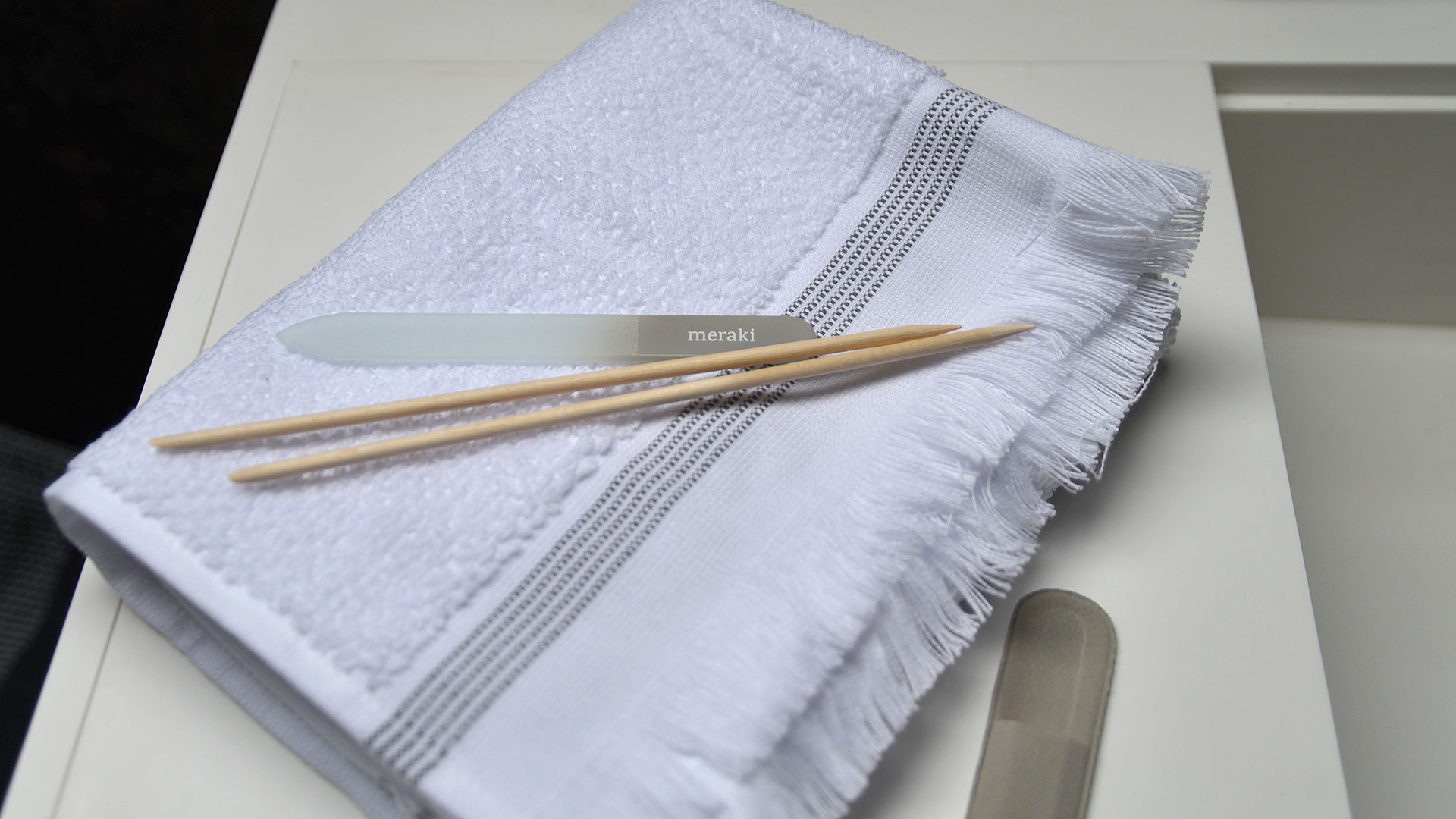 luxury organic cotton towels with nail file and cuticle sticks