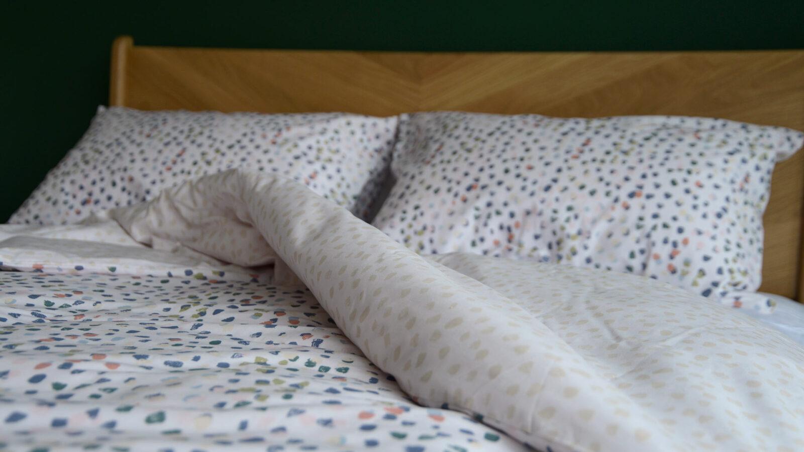 reversible cotton blend duvet cover set with pastel colours paint brush dots print
