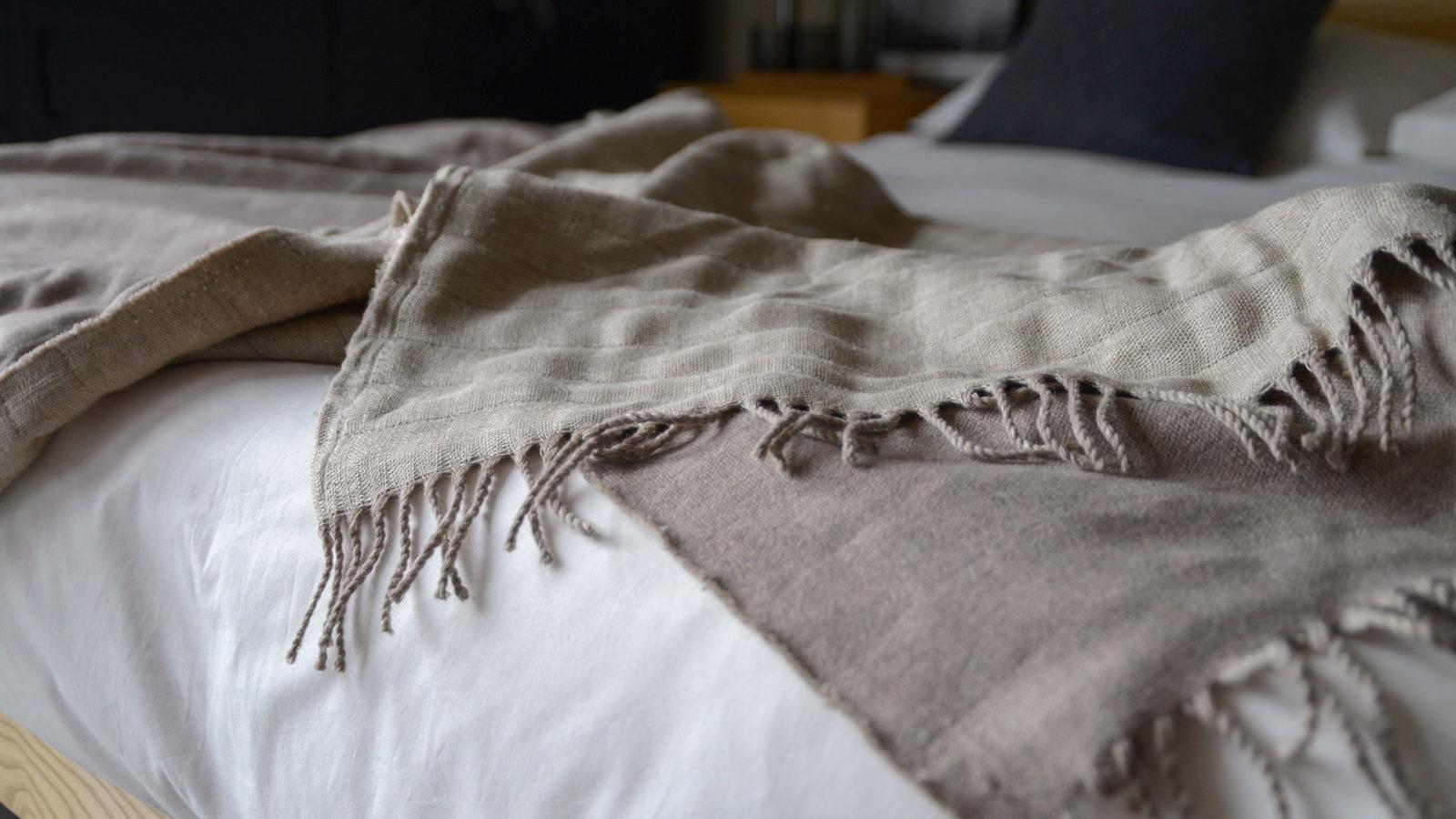 lambswool and linen blanket