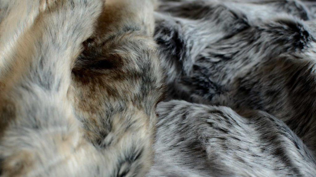 natural-look-faux-fur-throws-elk-&-silver-fox