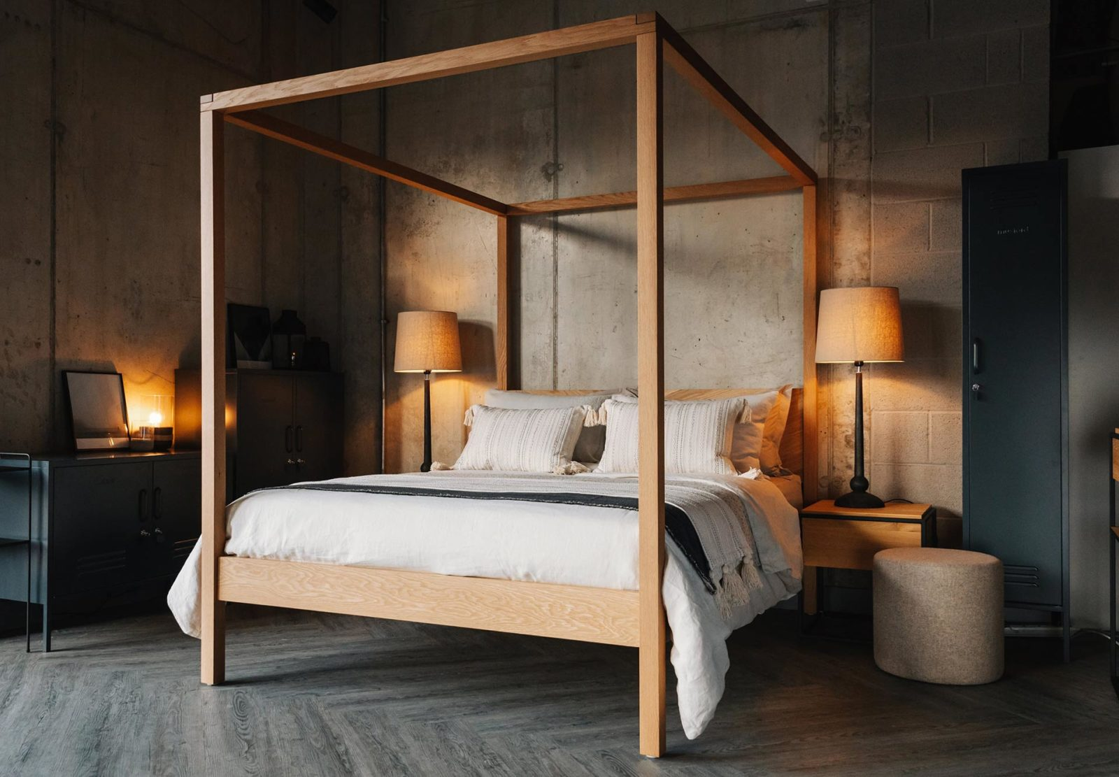 Hotel chic bedroom, striking solid oak Kelham 4 Poster bed with ivory bedding