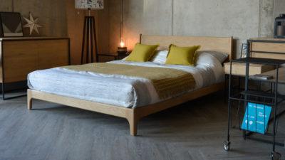 oak-low-bed-carnaby-design