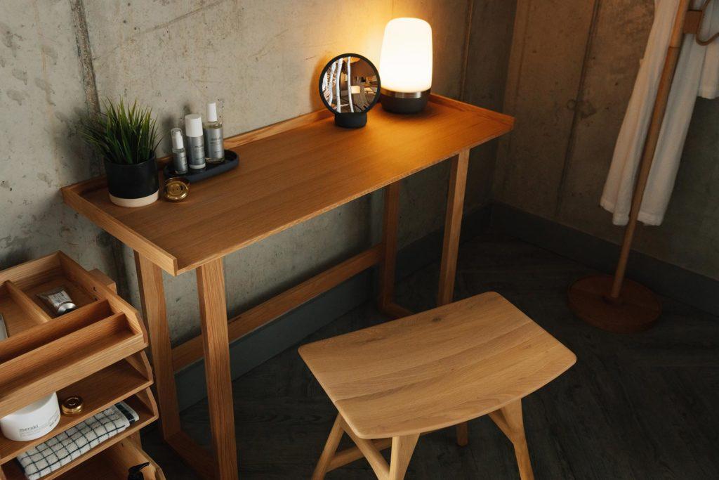 Natural oak slim side table
