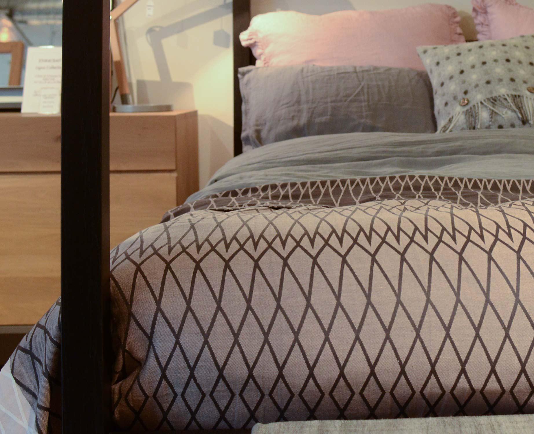 certified organic cotton throw, reversible woven pattern