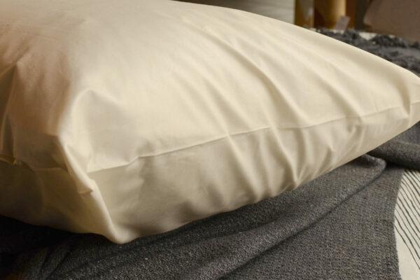 organic-cotton-pillow-protector