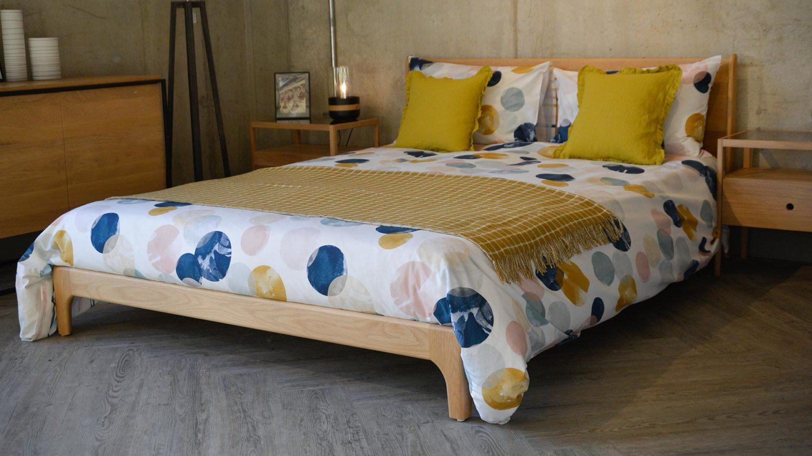 painted-circles-pattern-bedding