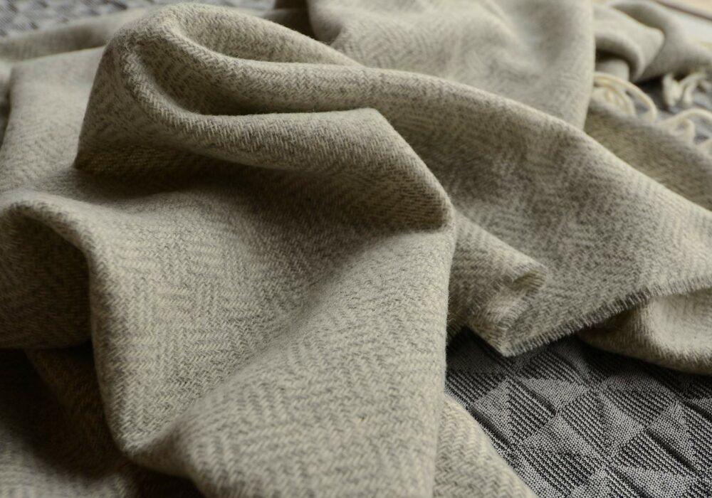 parquet-design-wool-throws - grey