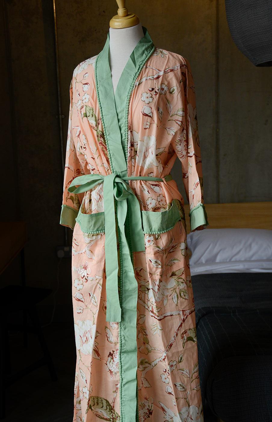 feminine robes
