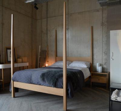 ikat-stripe-in-silver-on-Hatfield-4-poster-bed