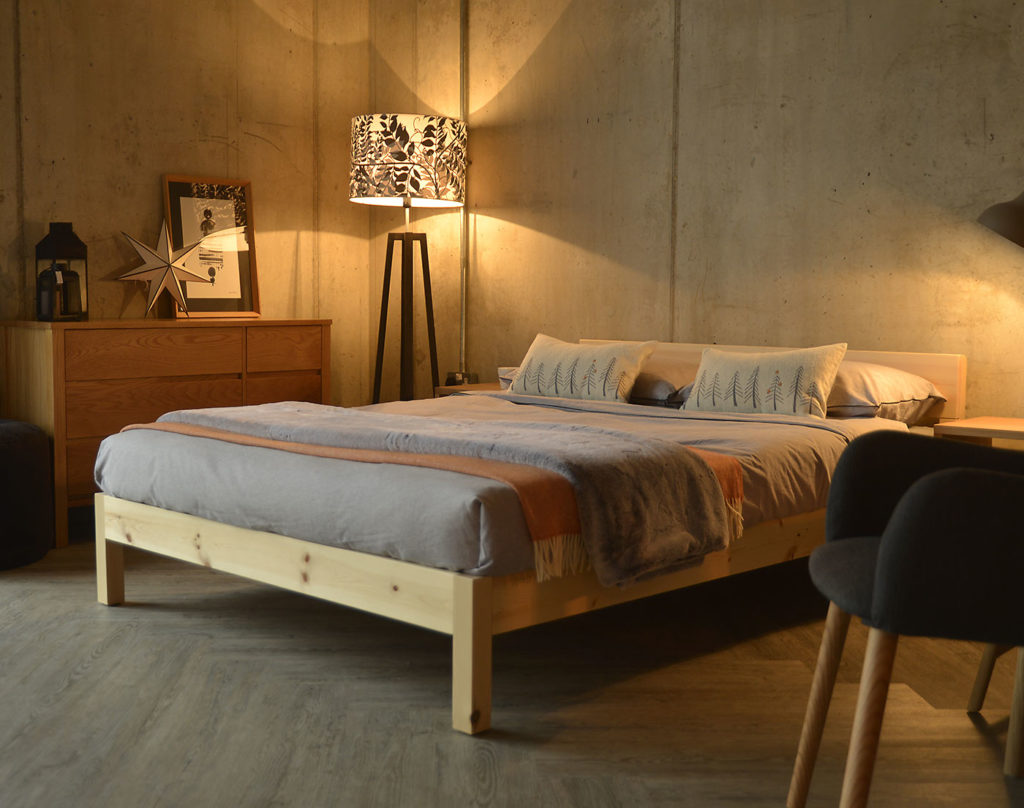 Sahara/nevada mix wooden bed made from solid Pine