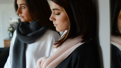 pink-&-grey-knitted-cotton-scarves
