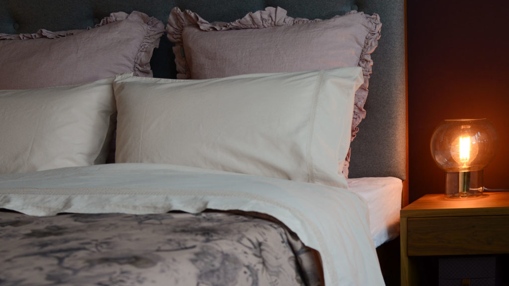 pink-ruffle-cushions