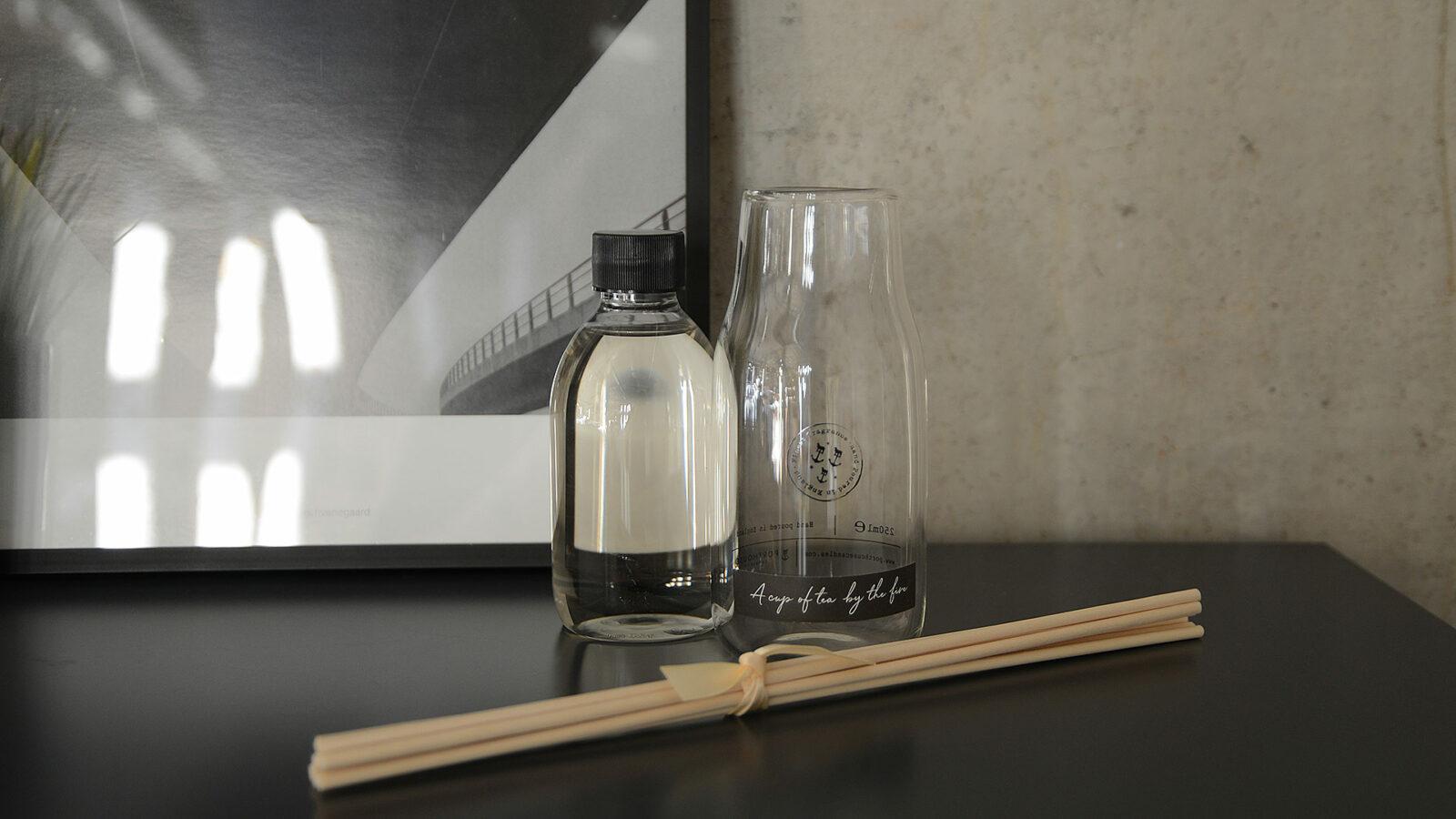 Room scenting kit