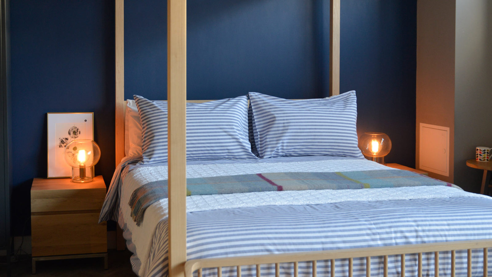 pyjama-stripe-duvet-set-navy-on-orchid