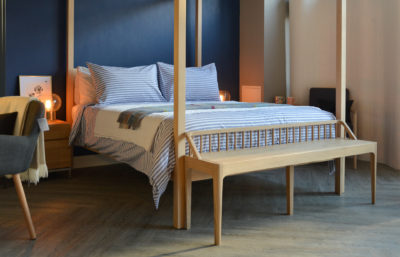 Spindle bench, Orchid bed with Pyjama Stripe Bedding