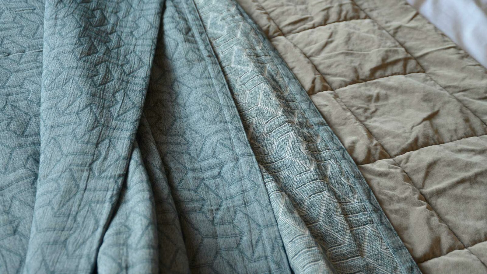 Petrol blue recycled cotton bedspread with stitched pattern