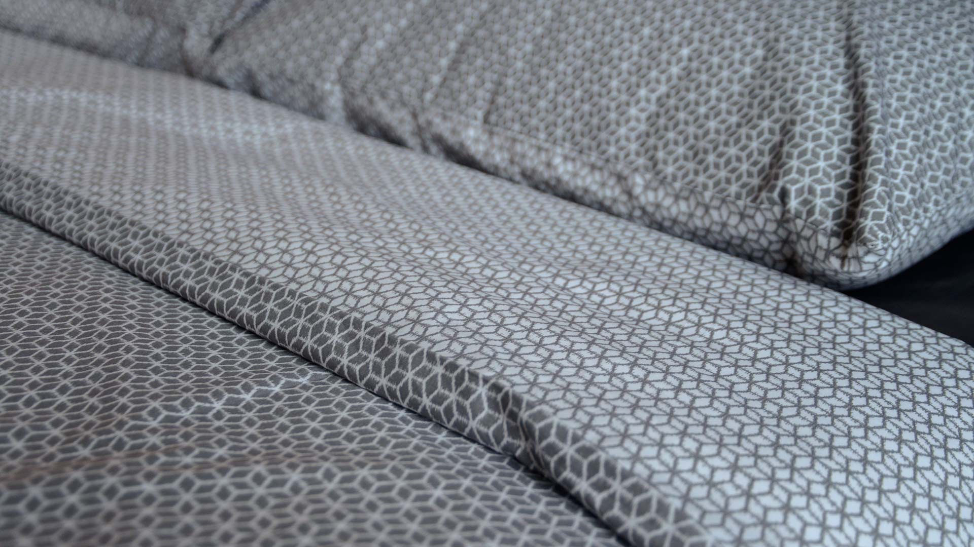 Japanese look printed duvet set in grey and ivory