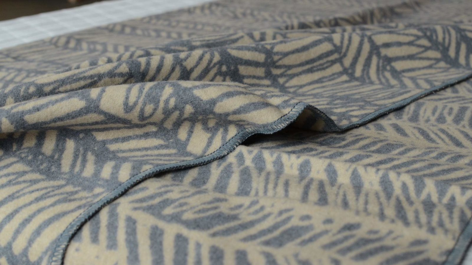 scribbled-stripe-blankets-beige-and-dark-grey