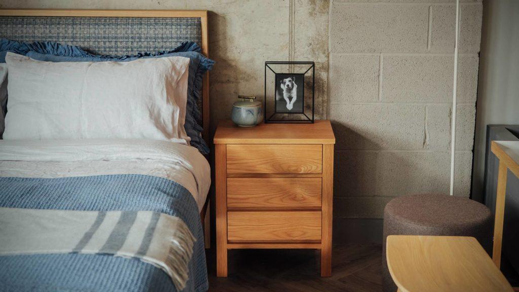 Oak wooden Shetland bed with Shaker 3 drawer bedside table