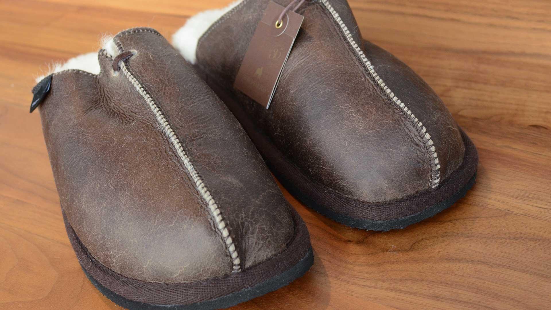 shepherd-Hugo-mens-sheepskin-leather-slippers