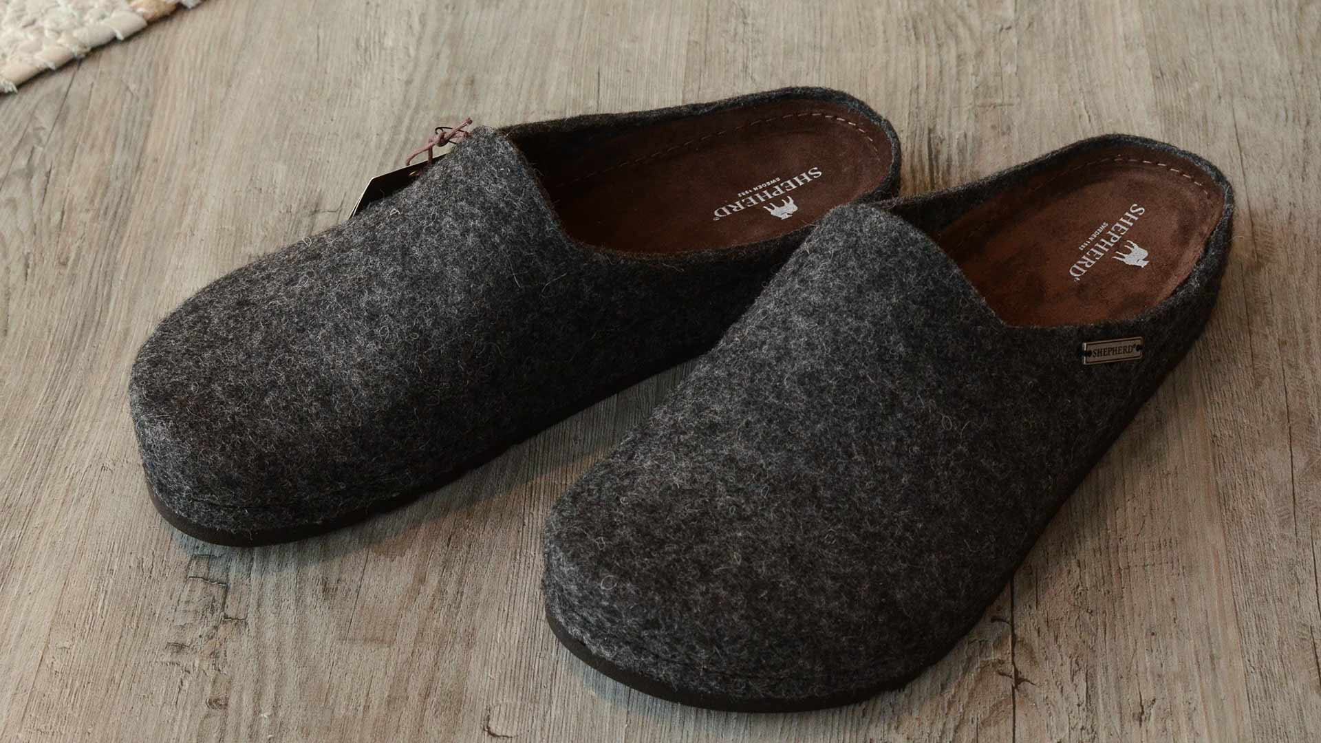 Isak Men S Wool Slippers Slippers Natural Bed Company