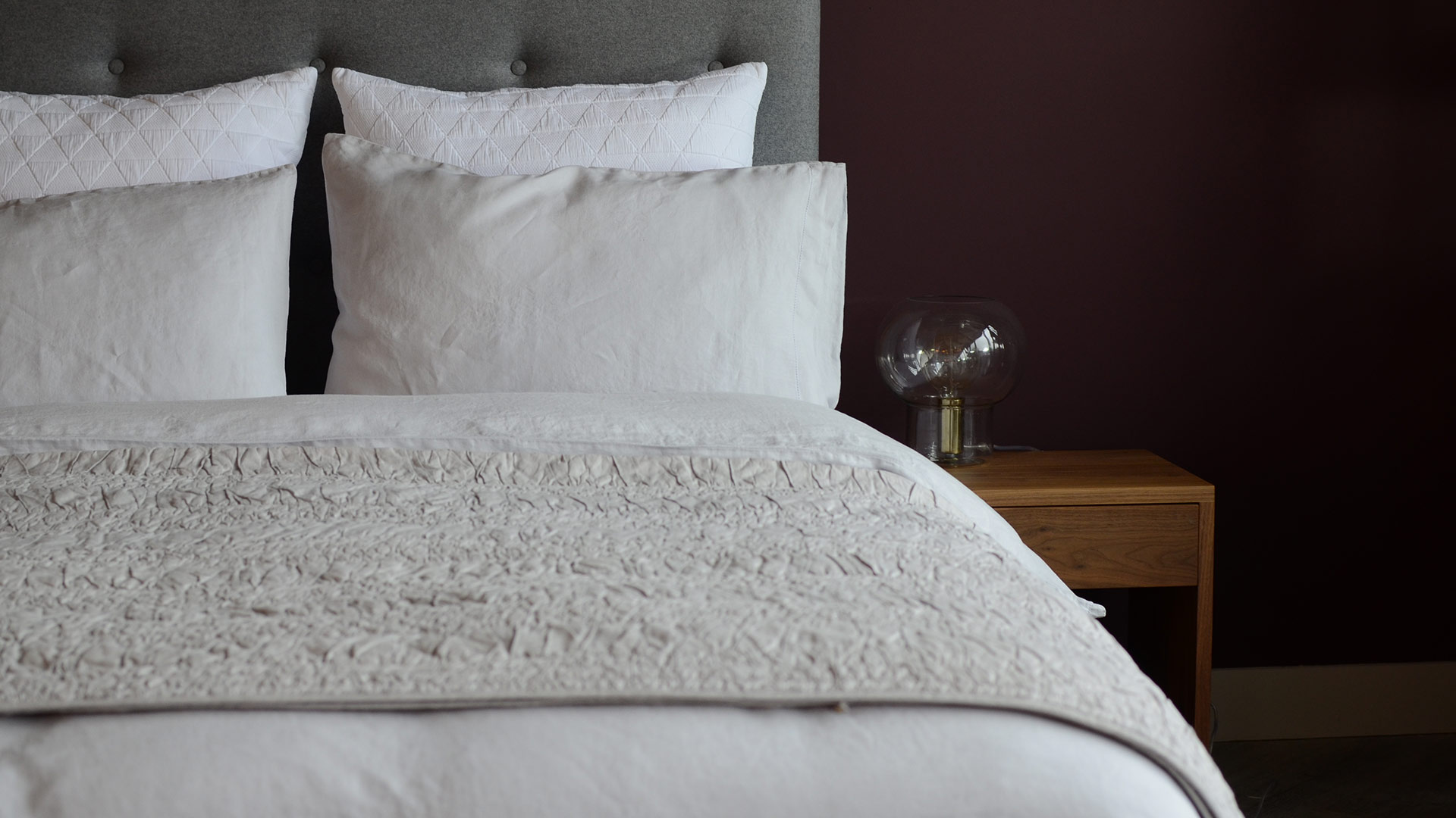 silver-grey-linen-bedding-white-stockholm-cushions-ruched-quilt