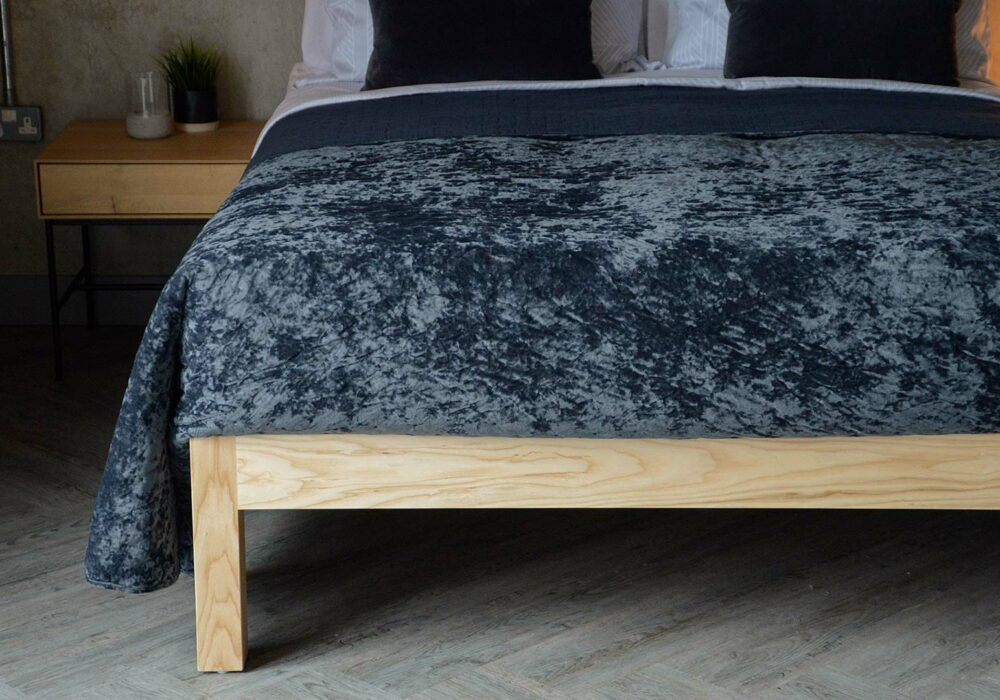 sumptuous crushed velvet bedspread in blue/grey